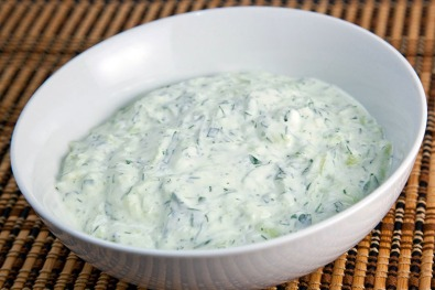 Tzatziki Sauce (Greek Cucumber Salad) 800